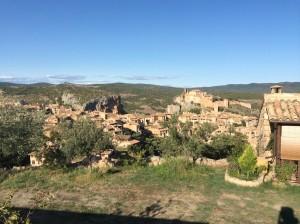Alqueza, a village to visit and stay near Secastilla.